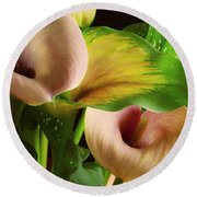 Two Lily With Leaf Round Beach Towel
