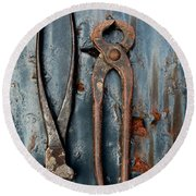 Two Old Rusty Pliers Round Beach Towel
