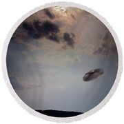 Ufo Over Lake Superior Round Beach Towel