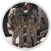 Uh-60 Black Hawk Crew Chiefs Round Beach Towel