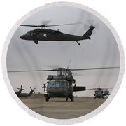 Uh-60 Black Hawks Taxis Round Beach Towel