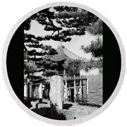 Ukimi-do Temple Round Beach Towel