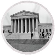 United States Supreme Court Building Bw Round Beach Towel