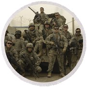 U.s. Army Soldiers Pose For A Photo Round Beach Towel