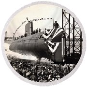 Uss Nautilus Slips Into The Thames Round Beach Towel