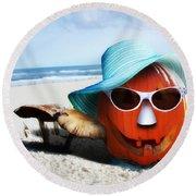Vacationing Jack-o-lantern Round Beach Towel