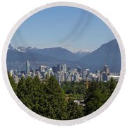 Vancouver Bc City Skyline And Mountains View Round Beach Towel