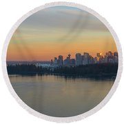 Vancouver Bc Skyline And Stanley Park At Sunset Round Beach Towel