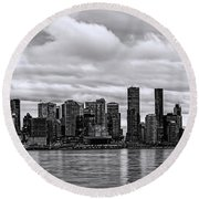 Vancouver In Black And White. Round Beach Towel