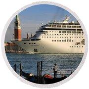 Venice Cruise Ship 2 Round Beach Towel