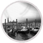 Venice Gondolas Black And White Round Beach Towel
