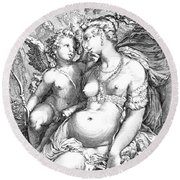 Venus And Cupid Round Beach Towel