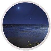 Venus Shines Brightly Round Beach Towel