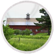 Vermont Barn With Tire Swing Round Beach Towel