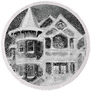 Victorian Christmas Black And White Round Beach Towel
