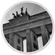Victory Of Brandenburg Gate Round Beach Towel