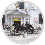 Vienna Horse And Carriage Round Beach Towel