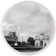 View From The Louvre In Black And White Round Beach Towel