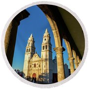 View Of Cathedral And Arches Round Beach Towel
