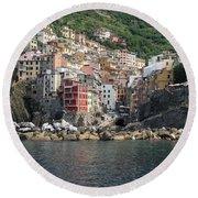 View Of The Riomaggiore, La Spezia Round Beach Towel