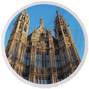 View Of The Top Detail Of The Parlament House In London Round Beach Towel