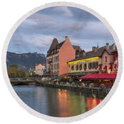 View Of Thiou River In Annecy Round Beach Towel