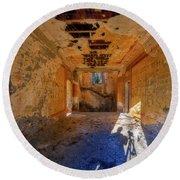 Villa Giallo Atmosfera Artistica Con Selfie - Artistic Atmosphere With Selfie Round Beach Towel by Enrico Pelos