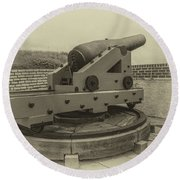 Vintage Cannon At Fort Moultrie Round Beach Towel