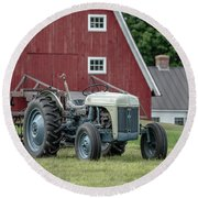 Vintage Ford Farm Tractor With Red Barn Round Beach Towel