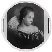 Vintage Portrait Photo Of Young Pretty Colored Lady Round Beach Towel