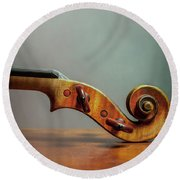 Violin Scroll Round Beach Towel