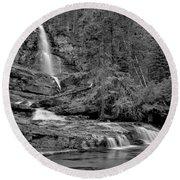 Virgnia Falls Pool - Black And White Round Beach Towel