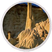 Wahweap Hoodoos At Dawn Round Beach Towel