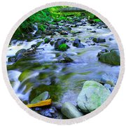 Walk Bridge Over Moffit Creek Round Beach Towel