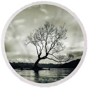 Wanaka Tree - New Zealand  Round Beach Towel