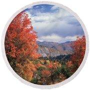 212m45-wasatch Mountains In Autumn  Round Beach Towel