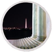 Washington Monument From Stairs Of Jefferson Round Beach Towel