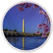 Washington Reflection And Blossoms Round Beach Towel