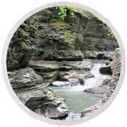 Water Flowing Through The Gorge Round Beach Towel