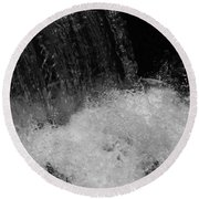 Waterfall In Black And White Round Beach Towel