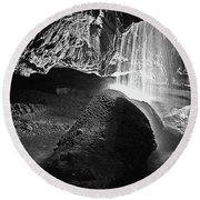Waterfall Of The Caverns Black And White Round Beach Towel