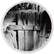 Weathered Fence In Black And White Round Beach Towel