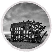 Weathered Rusting Shipwreck In Black And White Round Beach Towel