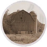 Weathered Wisconsin Barn In Sepia Round Beach Towel