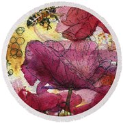 Wee Bees And Poppies Round Beach Towel