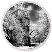 Western Auto In Winter Round Beach Towel