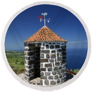 Whale Lookout Spot Round Beach Towel
