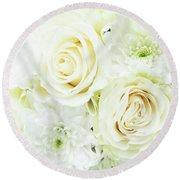 White Bouquet Round Beach Towel