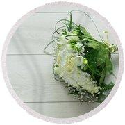 White Wedding Bouquet  Round Beach Towel