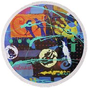 White Crow Round Beach Towel